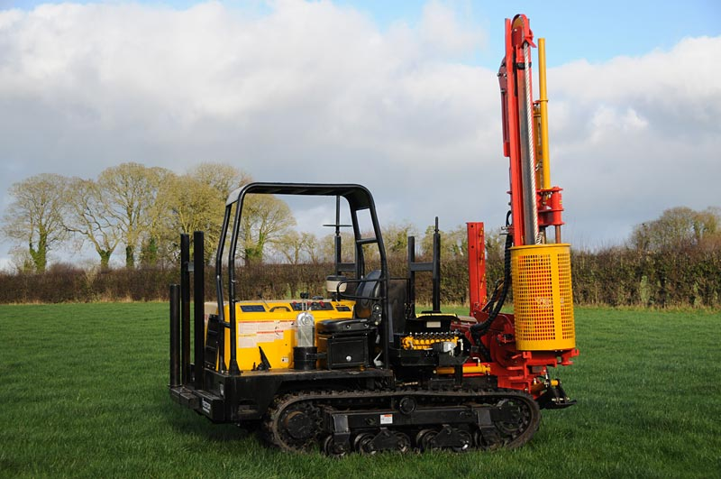 4 Ton Tracked Post Driver Vector Powerdrive